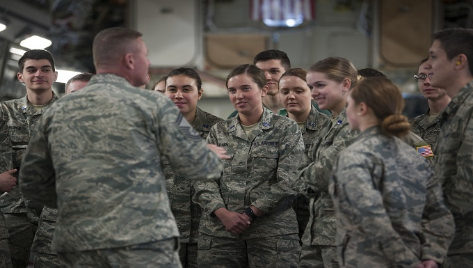 Student's flock to MacDill